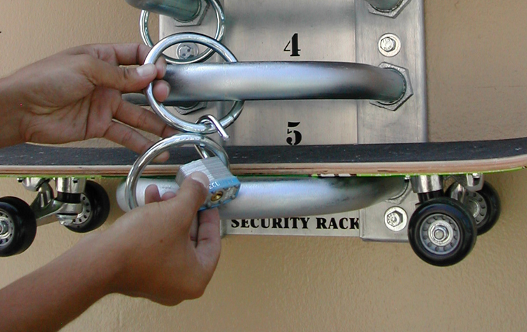 how to use a skateboard security rack